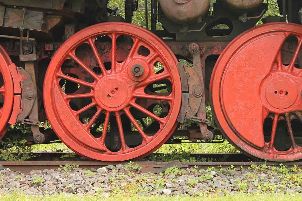 Zwei Räder einer Dampflok