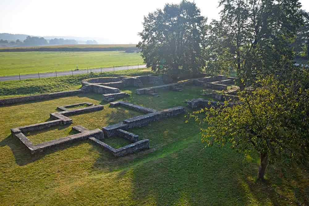 Blick auf römische Kastellruine