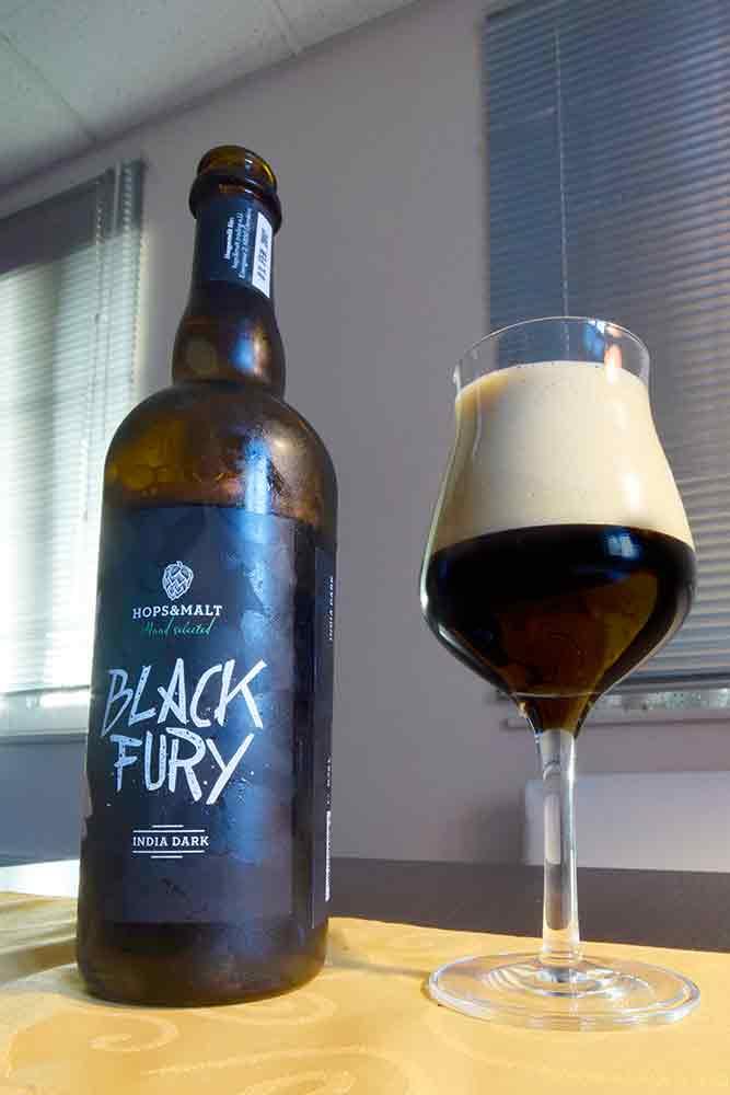 Black Fury im Sommelierglas