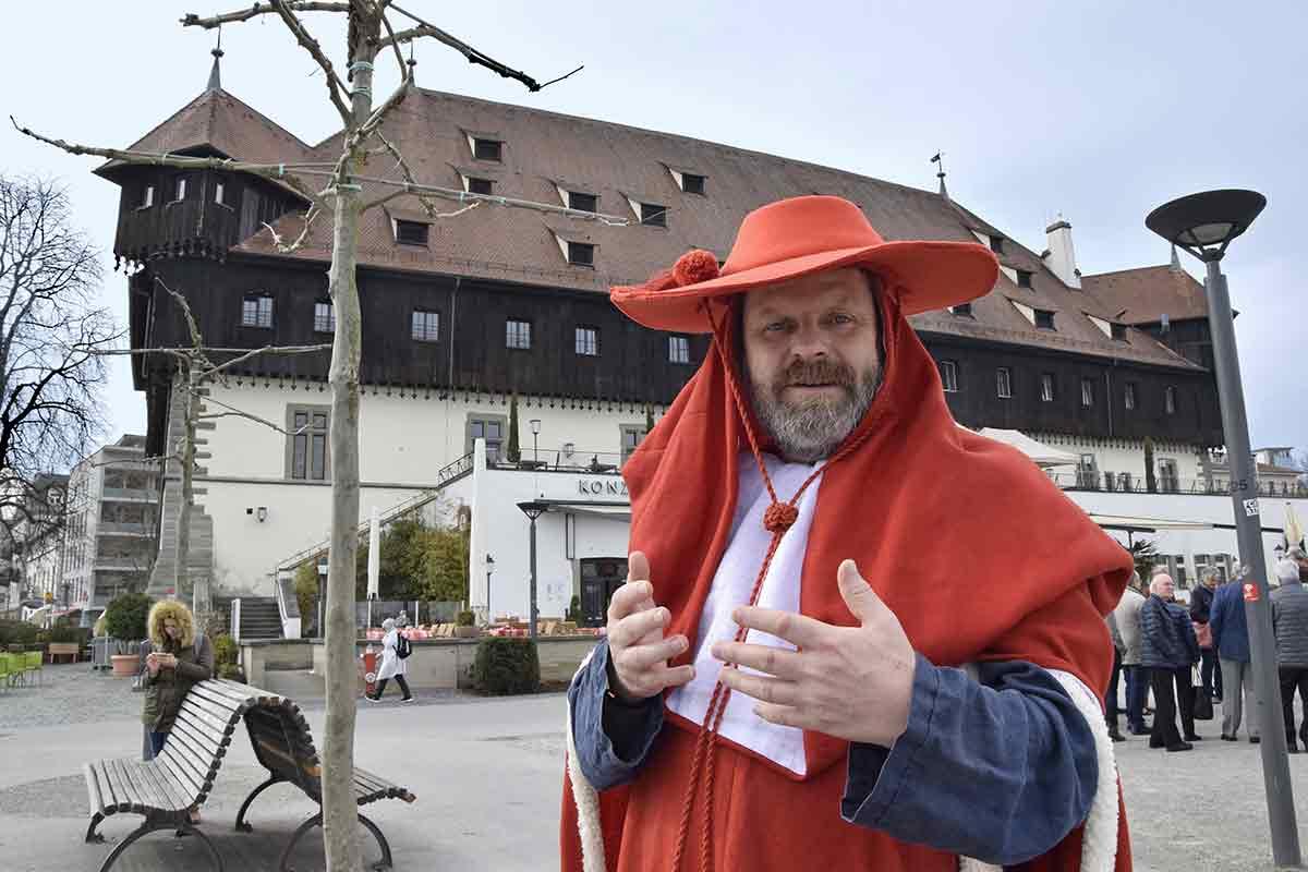 Henry Gerlach als Kardinal Fillastre