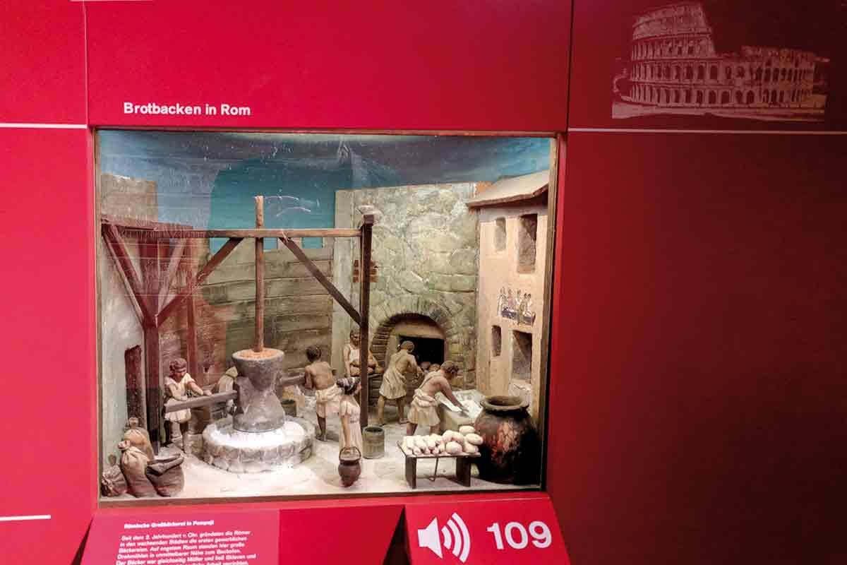 Modell antike Mühle im Museum der Brotkultur Ulm