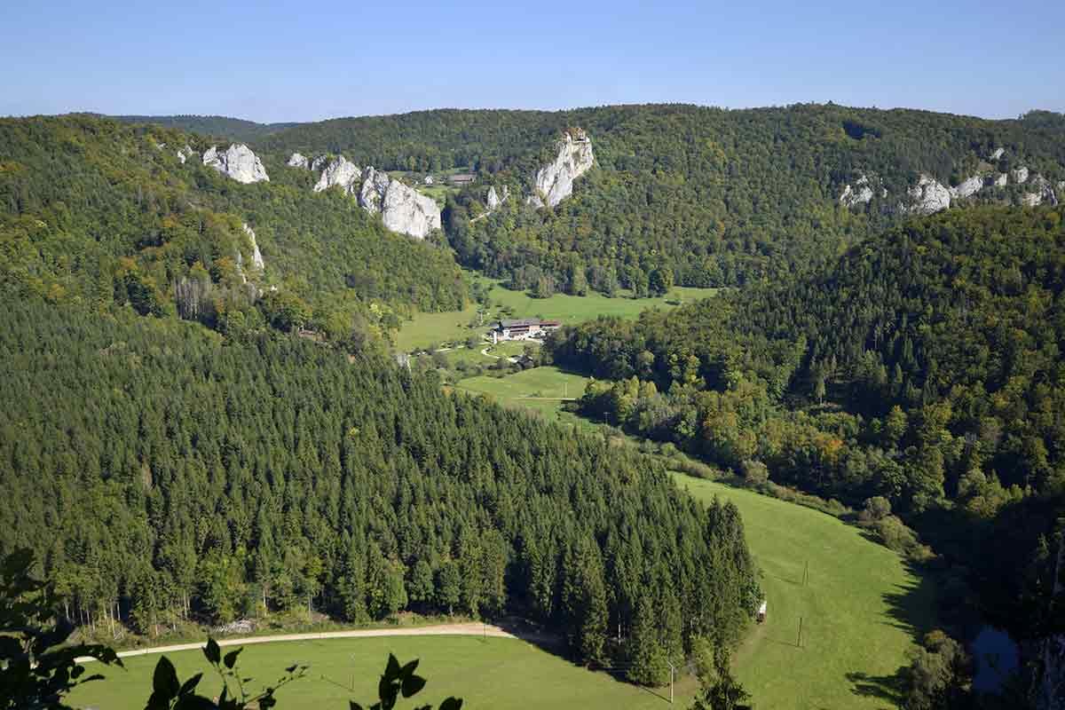 Jägerhaus vom Knopfmacherfelsen aus gesehen
