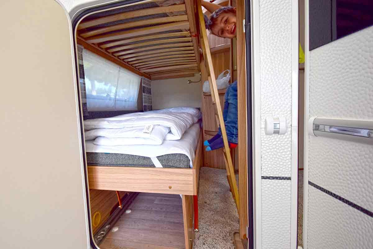 3er Etagenbett Wohnwagen Nachrüsten : Stockbett im wohnwagen einbauen neues hundegitter hundebox fürs