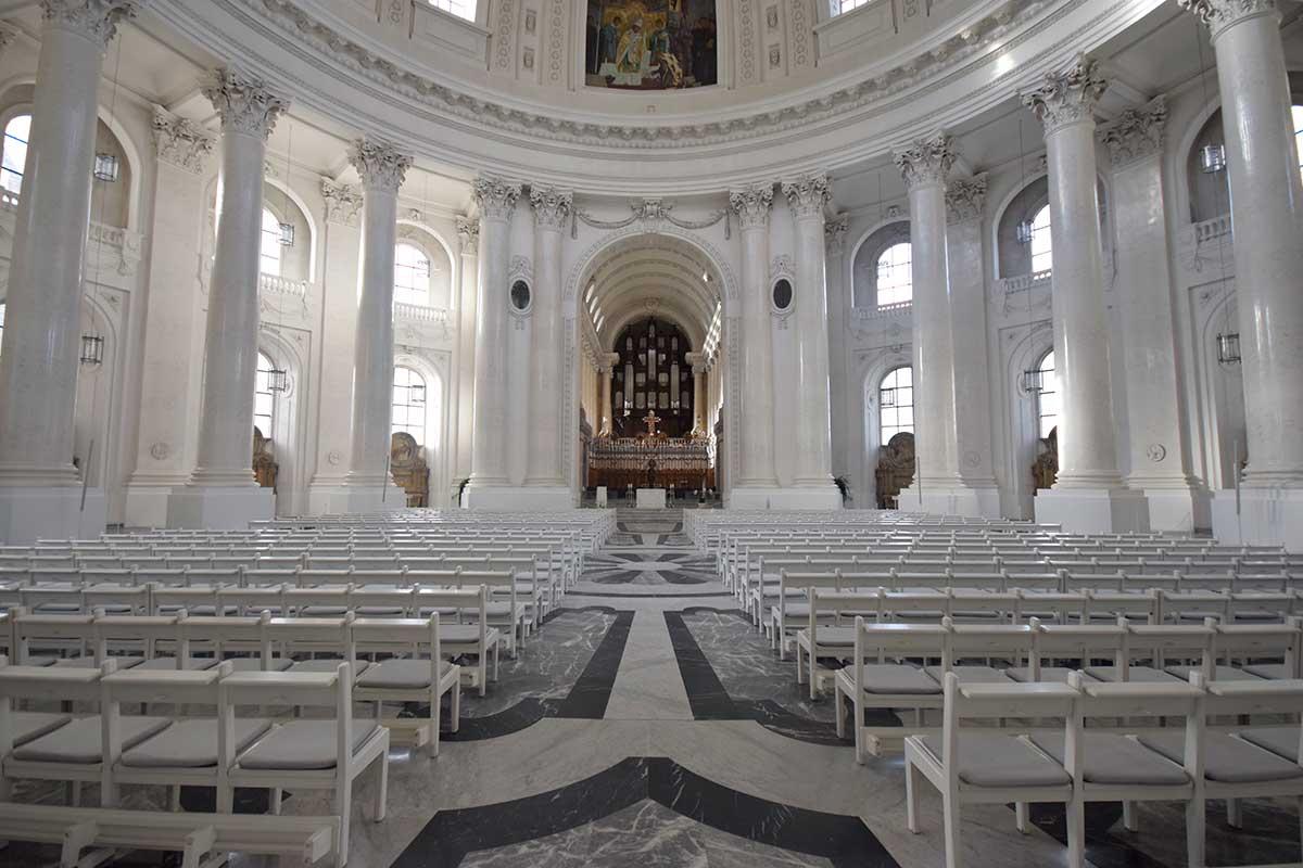 Blick in den Dom von St. Blasien