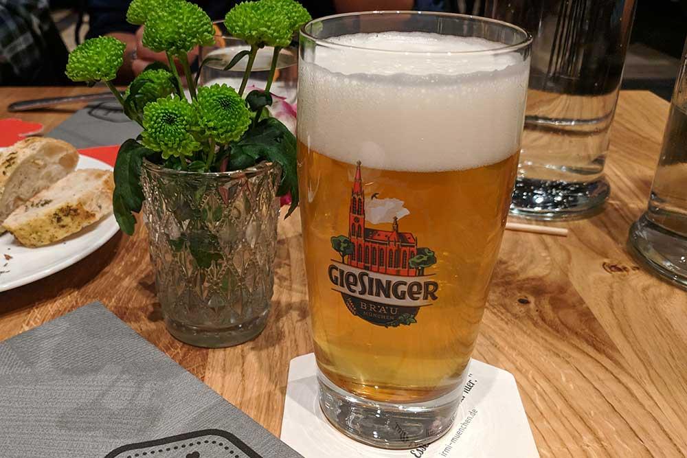 Giesinger Schankbier im Irmi, München