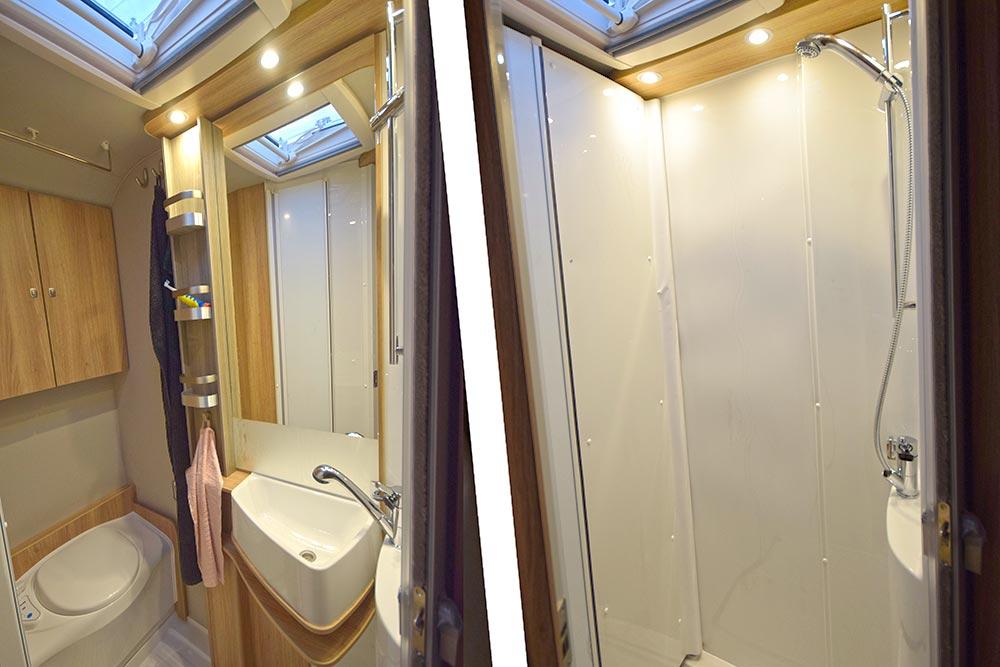 Doppelansicht Bad: als Toilette und als Dusche