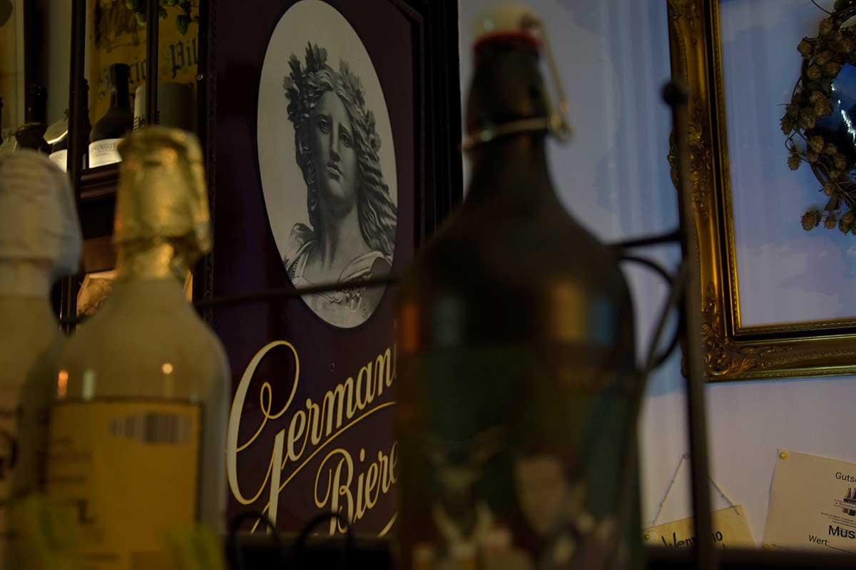 Germania Bier-Schild bei KommproBier