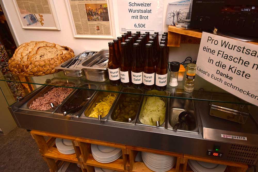 Wurstsalat-Buffet bei KommproBier