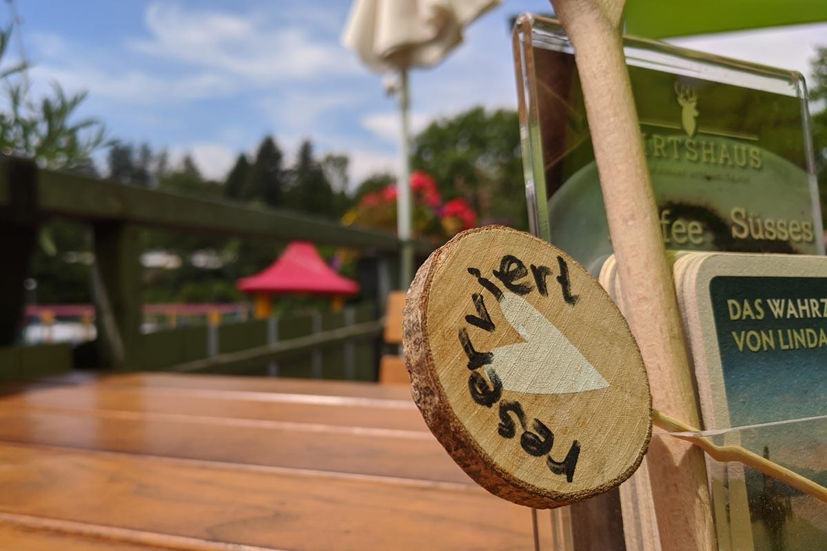 reservierter Tisch im Wirtshaus am Gitzenweiler Hof